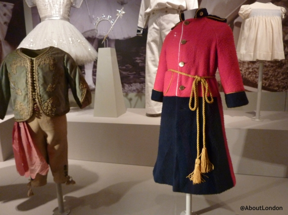 Soldier dressing gown worn by three-year-old Prince Harry, c. 1987.