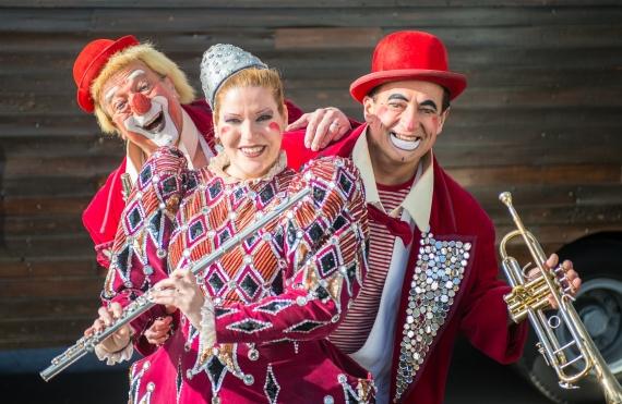 Rastelli Clowns - Zippos Circus 'Unchained' _. (1)