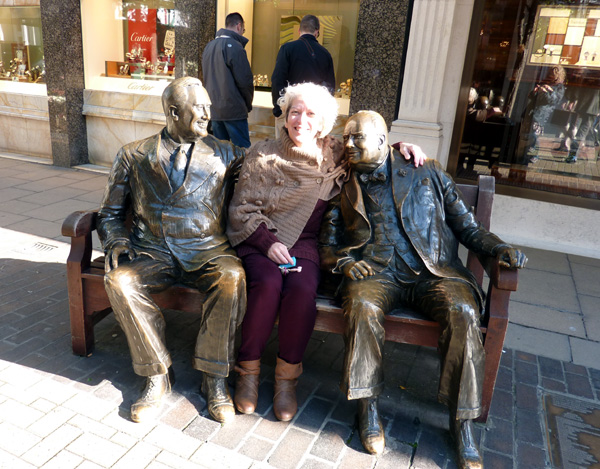 Allies bronze statue of Roosevelt & Churchill (with @MarDixon) too!