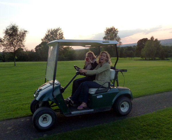 It was the first time I'd driven a golf buggy. Yes, I had fun!