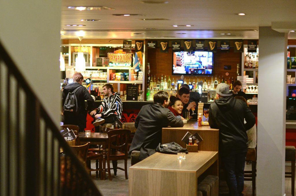 Safestay Edinburgh Bar 50