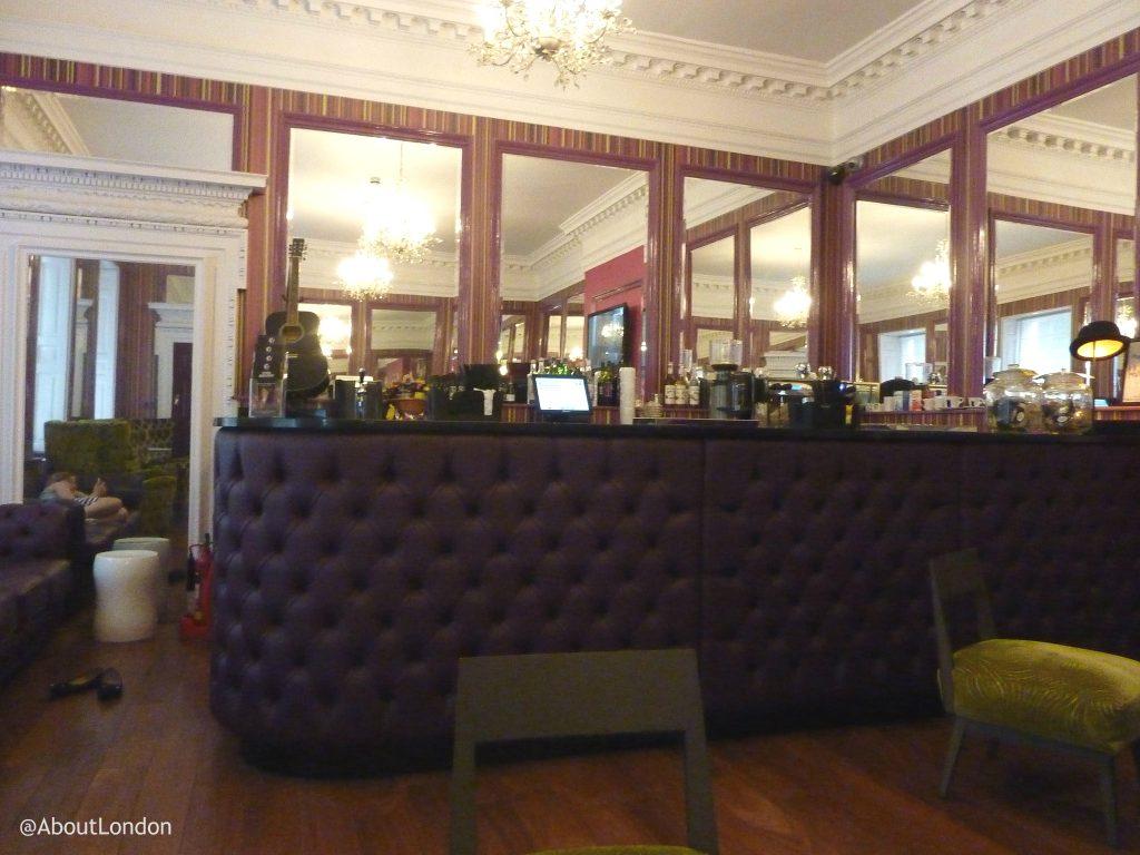 Safestay York bar