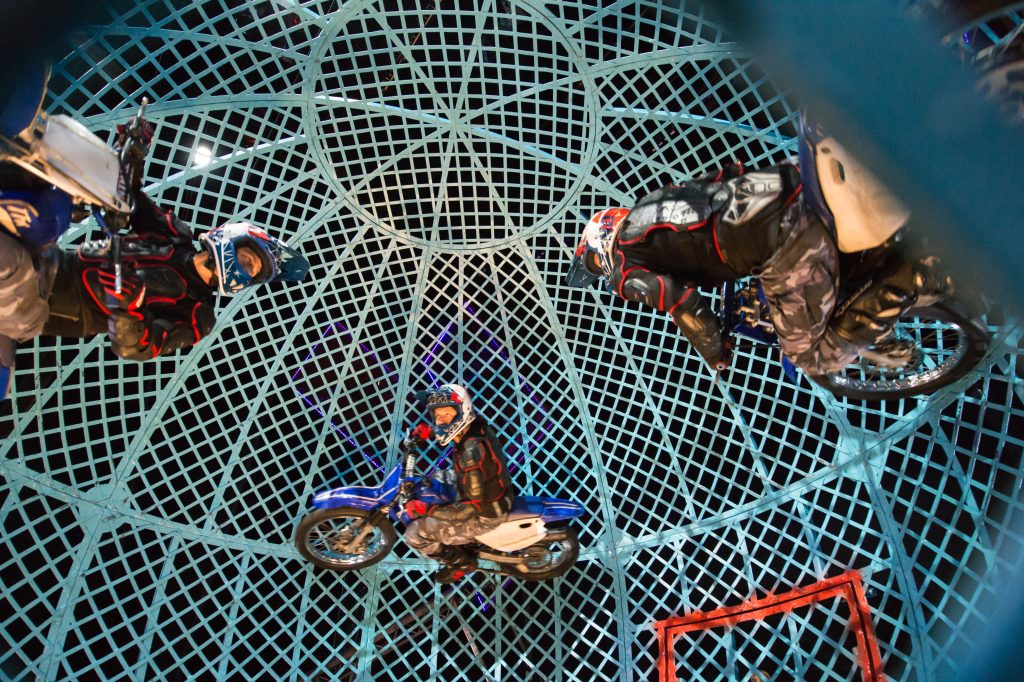 Globe of Death - Zippos Circus