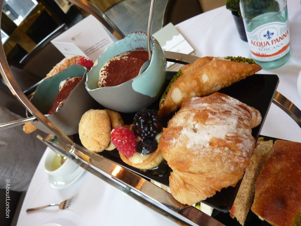Baglioni afternoon tea - sweet treats