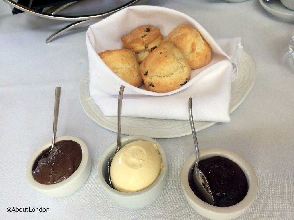 Baglioni afternoon tea - scones