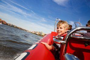 Thames Rockets Captain Kidd's Canary Wharf Voyage