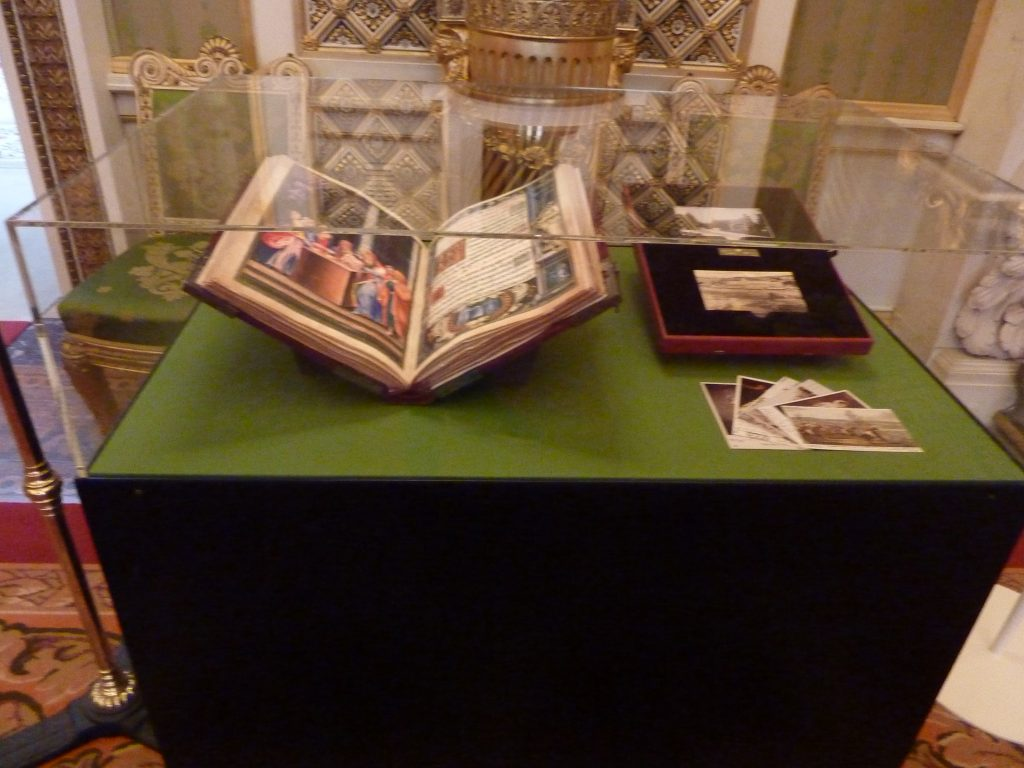 Royal Gifts at Buckingham Palace - Spain