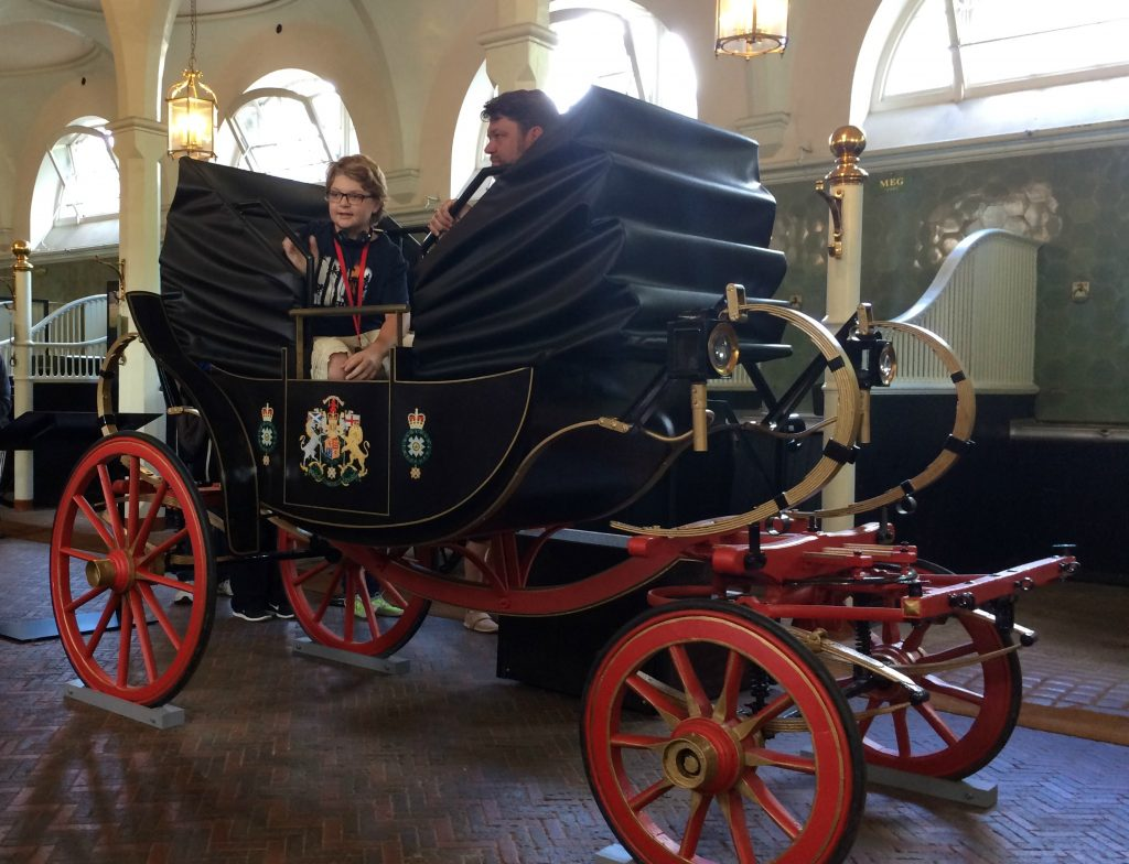 Replica Semi-State Landau - The Royal Mews